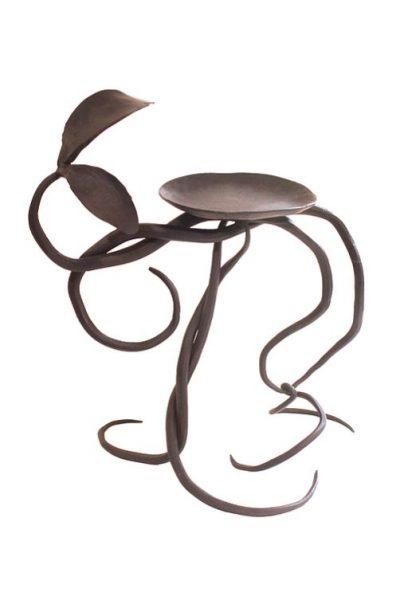 曲線と葉のアイアン製キャンドルスタンド