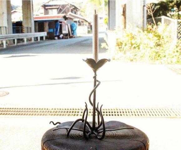 花の燭台と和蠟燭